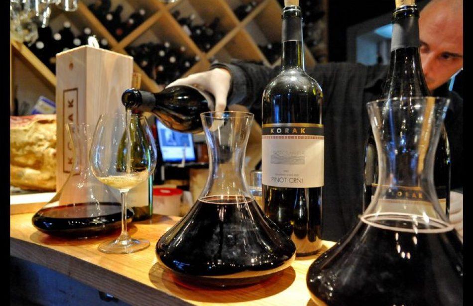 It's raining… wine ili Vinari na mukama