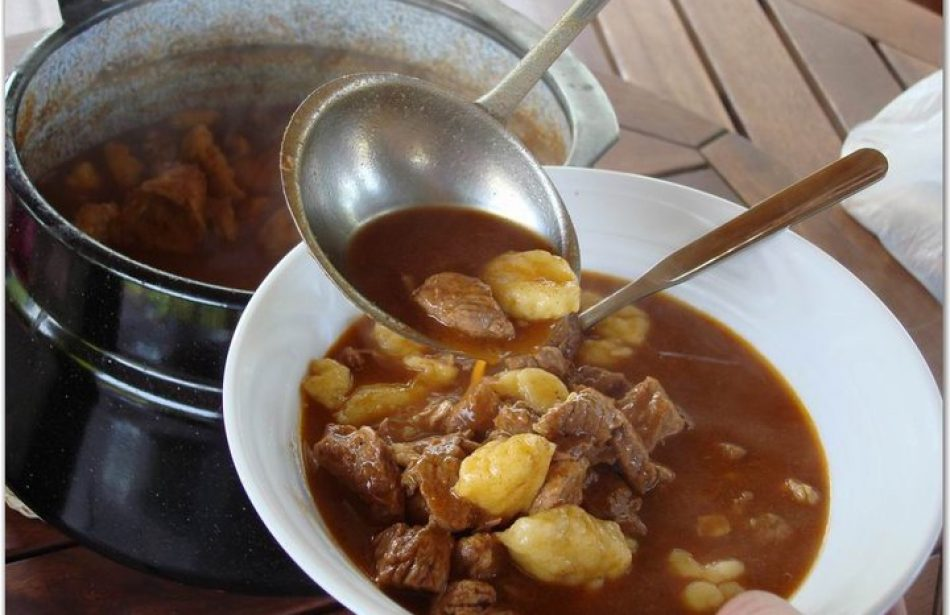 Wine and meat stew